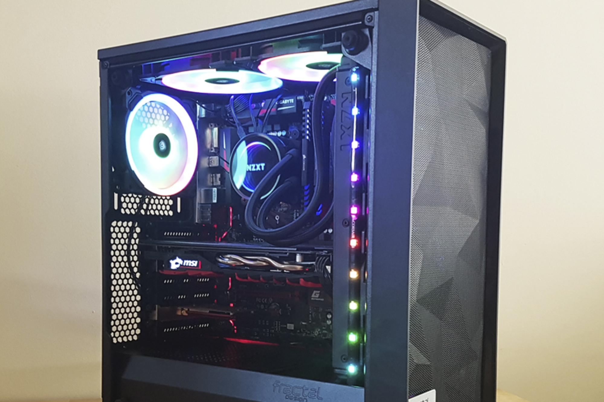 RGB: Nå skal PC en din lyse i alle regnbuens farger Smart